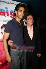 Vinay Pathak, Siddharth Makkar at the Premiere of Straight in Fame on 19th March 2009.JPG