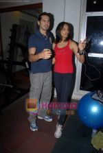 Bipasha Basu, Dino Morea at Gold Gym event in Bandra on 23rd March 2009 (13).JPG