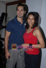 Bipasha Basu, Dino Morea at Gold Gym event in Bandra on 23rd March 2009 (4).JPG