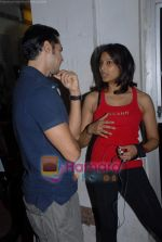Bipasha Basu, Dino Morea at Gold Gym event in Bandra on 23rd March 2009 (9).JPG