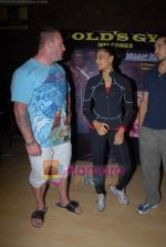 Bipasha Basu, Dorian Yates at Gold Gym event in Bandra on 23rd March 2009 (2).JPG