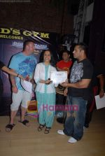 Ila Arun, Dorian Yates at Gold Gym event in Bandra on 23rd March 2009 (2).JPG