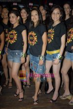 Contestants at Gladrags press meet in Hard Rock Cafe on 24th March 2009 (23).JPG