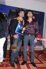 Ravi Tripathi, Sonu Nigam at Ravi Tripathi_s album launch on 24th March 2009 (66).JPG