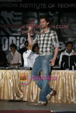 Neil Nitin Mukesh promotes Aa Dekhen Zara at college fest in  Renaissance Club, Andheri, Mumbai on 26th March 2009 (13).JPG