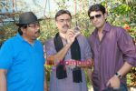 Rajit Kapur at the film Diamond Murders on location in Madh  on 26th March 2009 (2).JPG