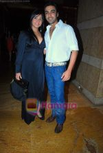 shamita with aashish chaudhry at Lakme Fashion Week 2009 day 3 on 29th March 2009.JPG