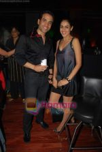 tushar and genelia at Manish Malhotra post party hosted by Pradeep Gidwani of Calsberg on 30th March 2009 .JPG