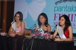 Ekta Chaudhury, Shriya Kishore, Pooja Chopra at Femina Miss India winners press meet in Sahara Star on 6th April 2009 (16).JPG