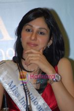 Pooja Chopra at Femina Miss India winners press meet in Sahara Star on 6th April 2009 (12).JPG