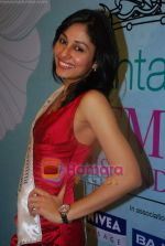 Pooja Chopra at Femina Miss India winners press meet in Sahara Star on 6th April 2009 (8).JPG