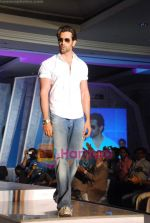 Hrithik Roshan at the launch of Macroman M Series innerwear in ITC Grand Maratha on 24th April 2009 (44).JPG