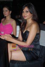 Rucha Gujrathi, Mrinalini sharma at Beyu cosmetics launch in Sahara Star on 24th April 2009 (4).JPG