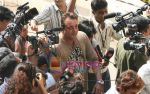 Sanjay Dutt goes to vote on 29th April 2009 (2).jpg