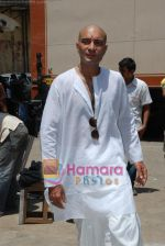 Amit Behl at the Mahurat Shot of movie The Under-trial in Filmistan, Goregaon on 10th May 2009 (16).JPG