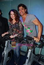 Linda Arsenio, Saahil Khan at Baqar_s Spinnathon event in True fitness Spa on 19th May 2009 (2).JPG