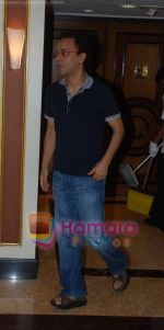 Vidhu Vinod Chopra at producers meet in Taj Land_s End , Bandra on 27th May 2009 (7).JPG