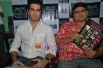 Amit Varma, Deven Bhojani at Dignity Foundation meet n greet event in Grant Road on 11th June 2009 (12).JPG