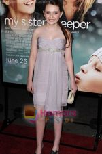 Abigail Breslin at the premiere of MY SISTER_S KEEPER on June 24, 2009 in New York City (1).jpg