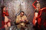 Sanjay Dutt in the still from movie Luck (2).jpg