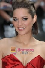 Marion Cotillard at the premiere of PUBLIC ENEMIES on 29th June 2009 in London.jpg