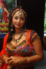 Bhojpuri actress Rani photo shoot at Munnibai Nautankiwali premiere! in Navrang on 3rd July 2009.JPG