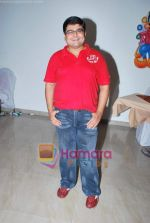Deven Bhojwani at Rajesh Kumar_s son Ahaan_s Bday Bash in Royal Challenge, Goregaon on 4th July 2009 (2).JPG
