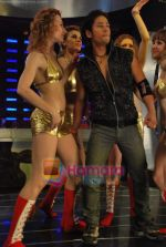 Swaha film with Russian models on location in Chandivali on 10th July 2009 (35).JPG