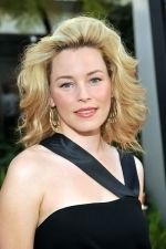 Elizabeth Banks at the LA Premiere of FUNNY PEOPLE on 20th July 2009 at ArcLight Hollywood, California.jpg
