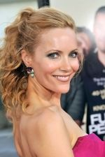Leslie Mann at the LA Premiere of FUNNY PEOPLE on 20th July 2009 at ArcLight Hollywood, California.jpg