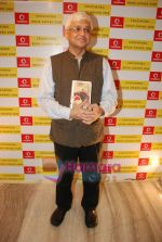 Amitav Ghosh at Crossword Book store awards in Nehru Centre on 23rd July 2009 (3).JPG