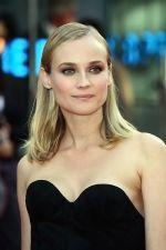 Diane Kruger at the London Premiere of movie INGLOURIOUS BASTERDS on July 23rd, 2009 at Odeon Leicester Square (4).jpg