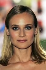 Diane Kruger at the London Premiere of movie INGLOURIOUS BASTERDS on July 23rd, 2009 at Odeon Leicester Square (6).jpg