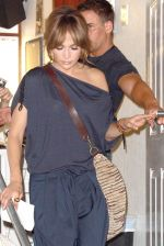 Jennifer Lopez at the Location For THE BACK-UP PLAN ON July 22, 2009 on the Streets of Manhattan, NY (12).jpg