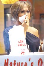 Jennifer Lopez at the Location For THE BACK-UP PLAN ON July 22, 2009 on the Streets of Manhattan, NY (4).jpg