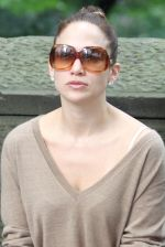 Jennifer Lopez at the Location For THE BACK-UP PLAN ON July 22, 2009 on the Streets of Manhattan, NY (40).jpg