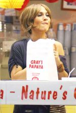 Jennifer Lopez at the Location For THE BACK-UP PLAN ON July 22, 2009 on the Streets of Manhattan, NY (5).jpg