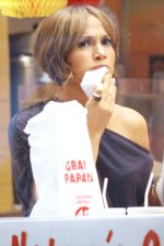 Jennifer Lopez at the Location For THE BACK-UP PLAN ON July 22, 2009 on the Streets of Manhattan, NY (7).jpg