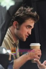 Robert Pattinson at the location for movie REMEMBER ME on July 2nd 2009 in Manhattan, NY (5).jpg