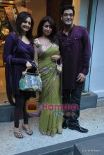 Shyamal-Bhumika and Meera Mahadevia at the launch of bridal collection at Chamomile in Bandra on 29th July 2009 (38).JPG