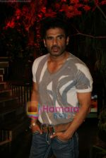 Sunil Shetty on the sets of Boogie Woogie in Andheri, Mumbai on 31st July 2009 (15).JPG