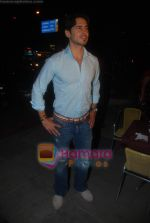 Dino Morea at Dino Morea_s Crepe Station launch in Oshiwara on 5th Aug 2009 (11).JPG