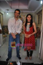 Tusshar Kapoor, Prachi Desai seek blessings of Shri Krishna to promote Life Partner in Andheri on 13th Aug 2009 (11).JPG