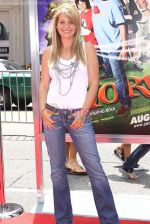 Candace Cameron Bure at the Premiere Of SHORTS held at The Grauman_s Chinese Theatre in Hollywood, California, USA on Aug 15th 2009 - IANS-WENN.jpg
