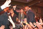 Shahrukh Khan thanking his fans in Atlantic City, New Jersey. Courtesy- INDIA ANI (3).jpg