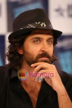 Hrithik Roshan on the sets of Farah Khan_s chat show Tere Mere Beach Mein in Filmcity on 16th Aug 2009 (2).JPG