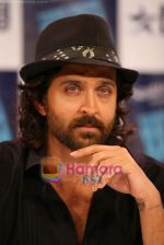 Hrithik Roshan on the sets of Farah Khan_s chat show Tere Mere Beach Mein in Filmcity on 16th Aug 2009 (7).JPG