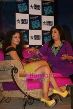 Kangana Ranaut, Farah Khan on the sets of Farah Khan_s chat show Tere Mere Beach Mein in Filmcity on 16th Aug 2009 (4).JPG