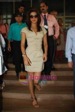 Priyanka Chopra at the launch of Novaltis Radiosuregery scanner for tumors in Ambani Hospital on 16th Aug 2009 (10).JPG