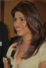 Priyanka Chopra at the launch of Novaltis Radiosuregery scanner for tumors in Ambani Hospital on 16th Aug 2009 (30).JPG